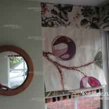 Римские шторы на кухню с крупным орнаментом