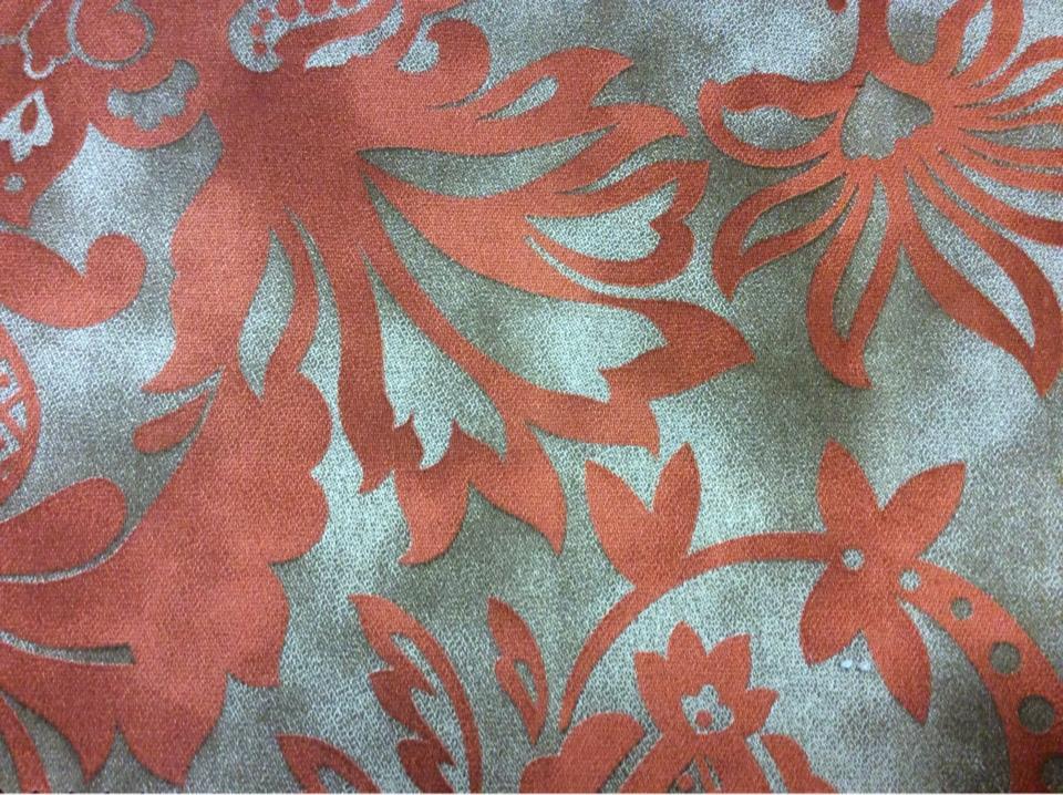 Хлопковая ткань с красным орнаментальным принтом цветы