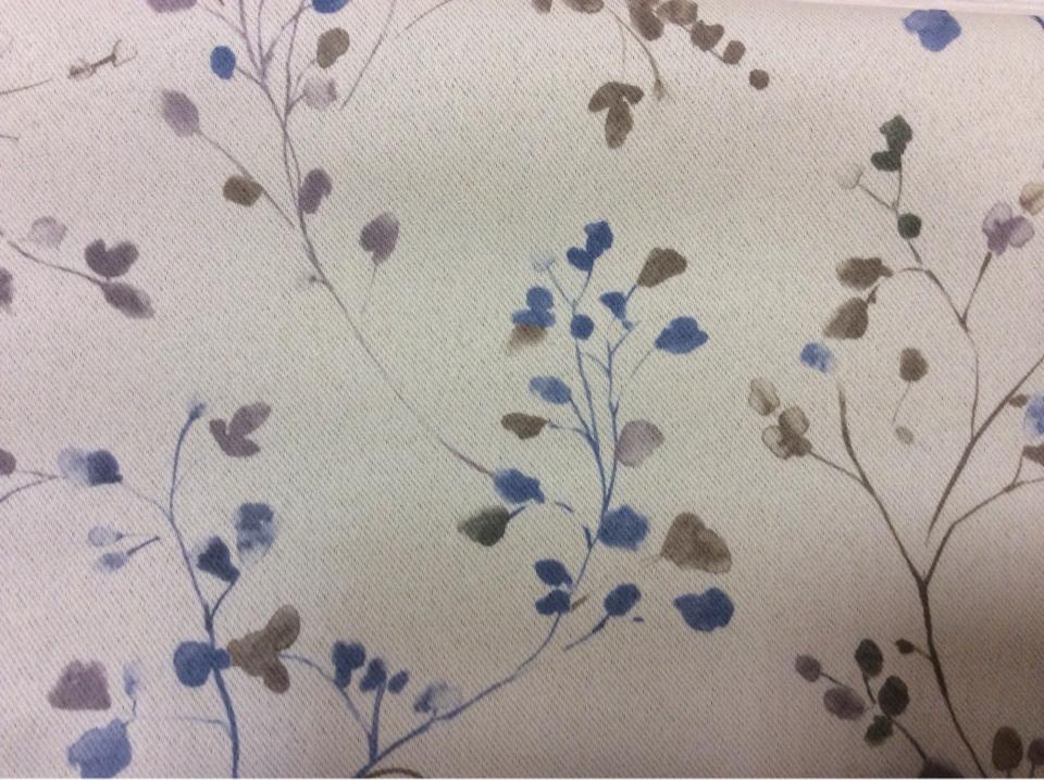 Ткань блэкаут для рулонных штор Elisa 1055. Турция, светонепроницаемая, портьерная ткань. На сером фоне мелкие синие цветы ( акварель) купить на заказ в интернет-магазине