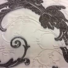 Купить ткань в стиле барокко Botticelli 15. Италия, Европа, портьерная. На кремовом фоне шоколадный орнамент