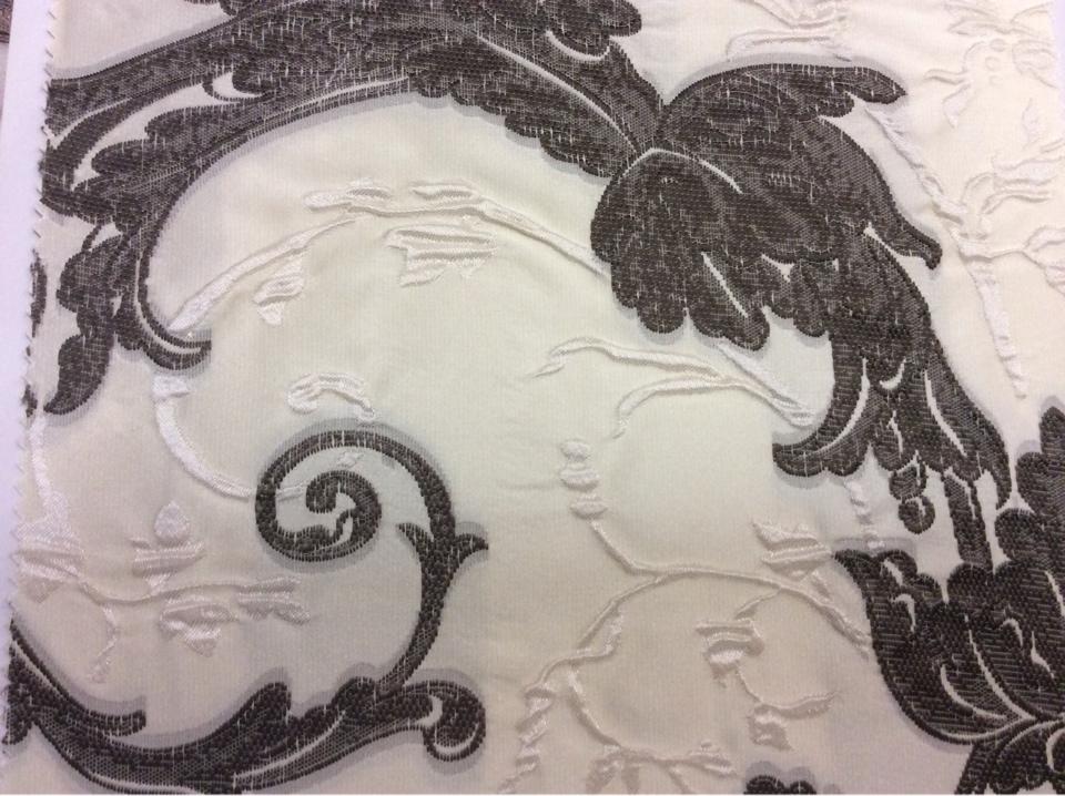 Купить ткань в стиле барокко Botticelli 15. Италия, Европа, портьерная. На кремовом фоне шоколадный орнамент в Москве