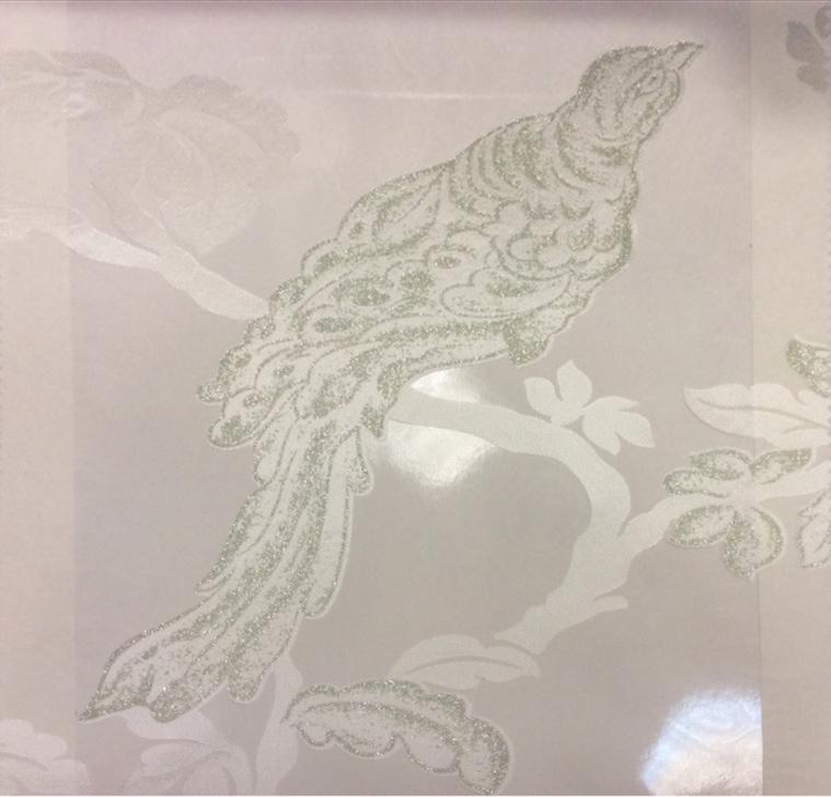 Итальянская тюль для штор в стиле барокко Botticelli 25. Европа, Италия, тонкий тюль. На прозрачном фоне салатовая птица с блеском купить