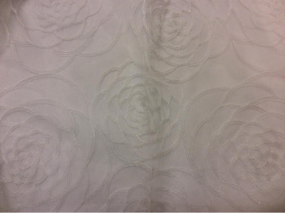 Органза с вышивкой Emily 2. Белые розы ( абстракция). Турция.