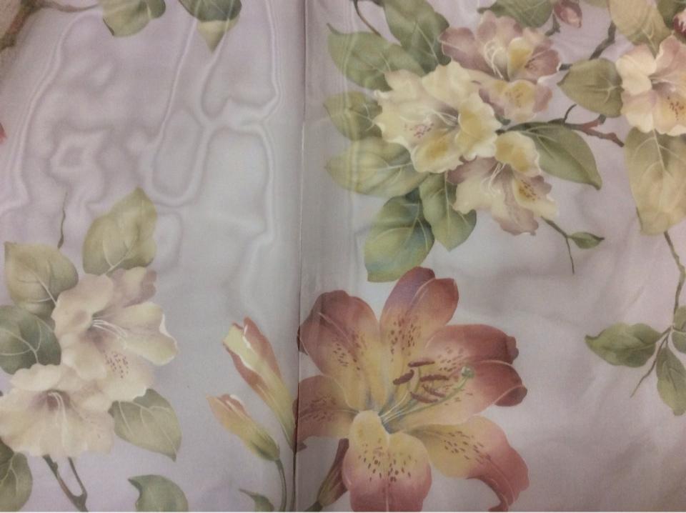 Красивая органза для штор из Турции Zambak Suit 70. На бледно-сиреневом фоне лилии в стиле прованс купить