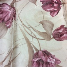 Портьерная ткань из хлопка, атлас, средней плотности Tulupani 125. Турция. На светлом фоне бордовые тюльпаны