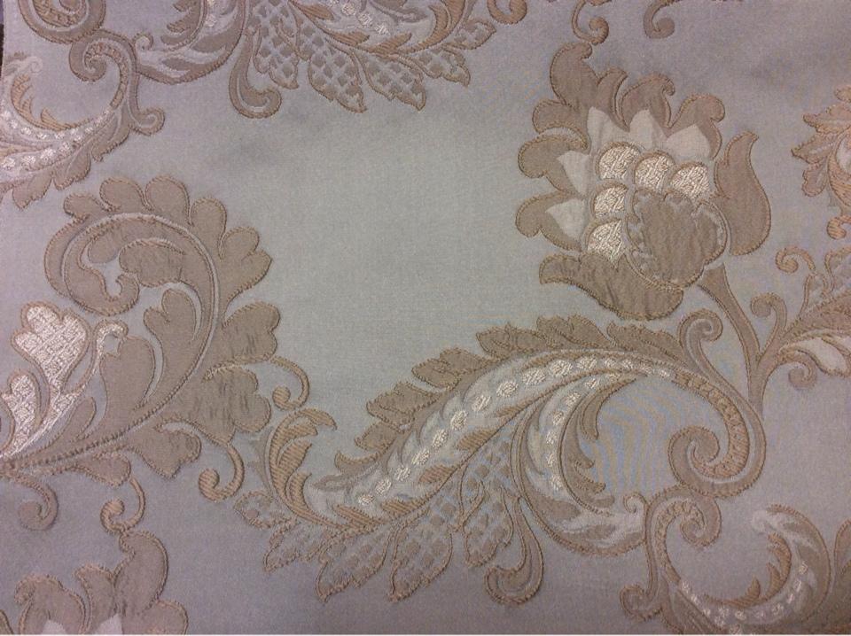 Ткань атлас с вышивкой в классическом стиле Varese, цвет Tranquil. Европа, Бельгия. На фоне цвета морской волны бежевые цветы, пейсли купить