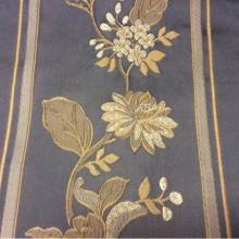 Ткань для занавесок с вышивкой из атласа, полиэстера Isernia, цвет Magnetic. Европа, Бельгия. На синем фоне бежевые цветы