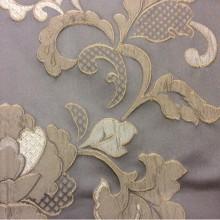 Элитная ткань с вышивкой, атлас, вискоза Olbia, цвет Fog. Европа, Бельгия портьерная ткань для штор. На сером фоне бежевые цветы