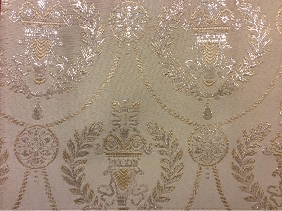 Ткань для штор в стиле ампир 2381/11. Франция, Европа, портьерная ткань. Ванильный фон, серебристый орнамент купить