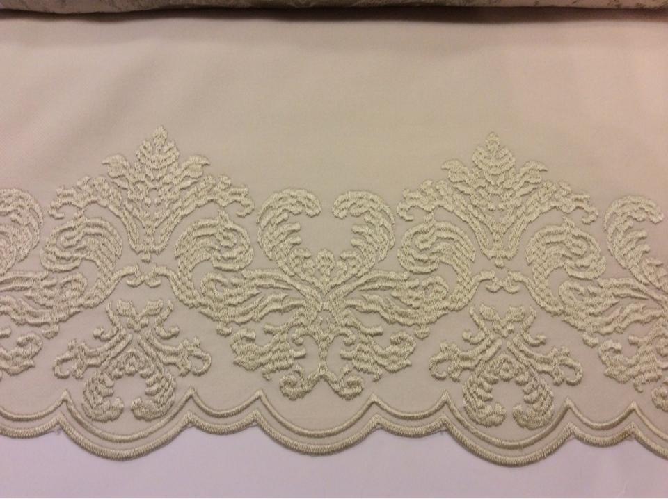 Фланелевая ткань в стиле барокко 2399/11. Италия, Европа, портьерная ткань бежевого цвета купить в Москве