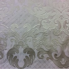 Портьерная ткань из атласа с атласной обработкой низа (высота орнамента 40 см) 2418/11. Европа, Италия. Ванильный фон