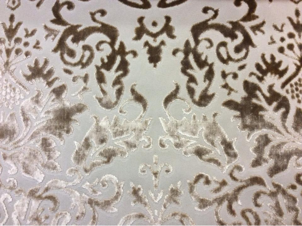 Набивная ткань из хлопка и бархата в стиле барокко 2386/21. Европа, Италия, портьерная ткань. На бежевом фоне бронзовый бархат купить, заказать в Москве
