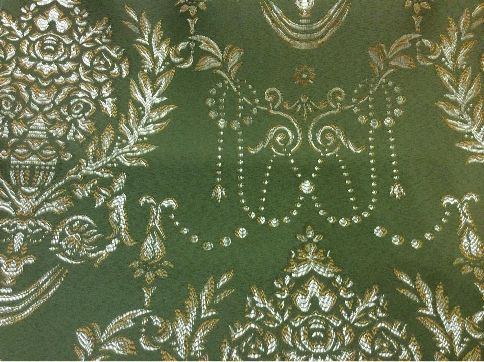 Зеленая ткань из атласа в стиле ампир 2377/50. Европа, Франция, портьерная. Зелёный фон, золотистый орнамент купить в Москве