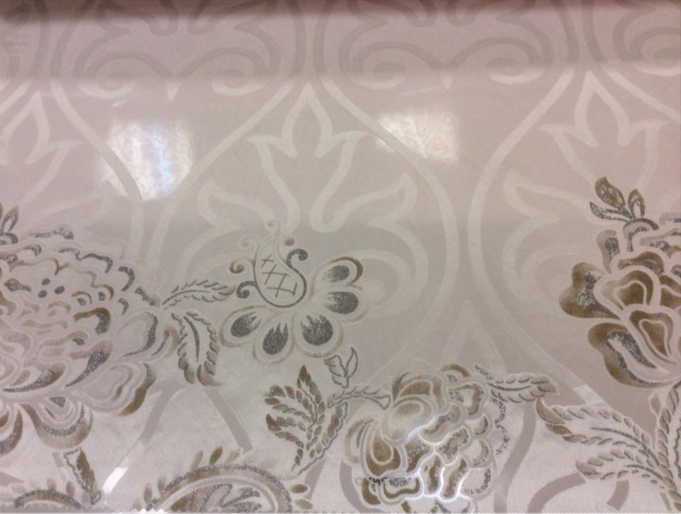 Прозрачный тюль в интернет-магазине Ornella 16. Италия, Европа, тюль для штор. На светлом фоне серебристо-бежевый цветочный принт с люрексом купить