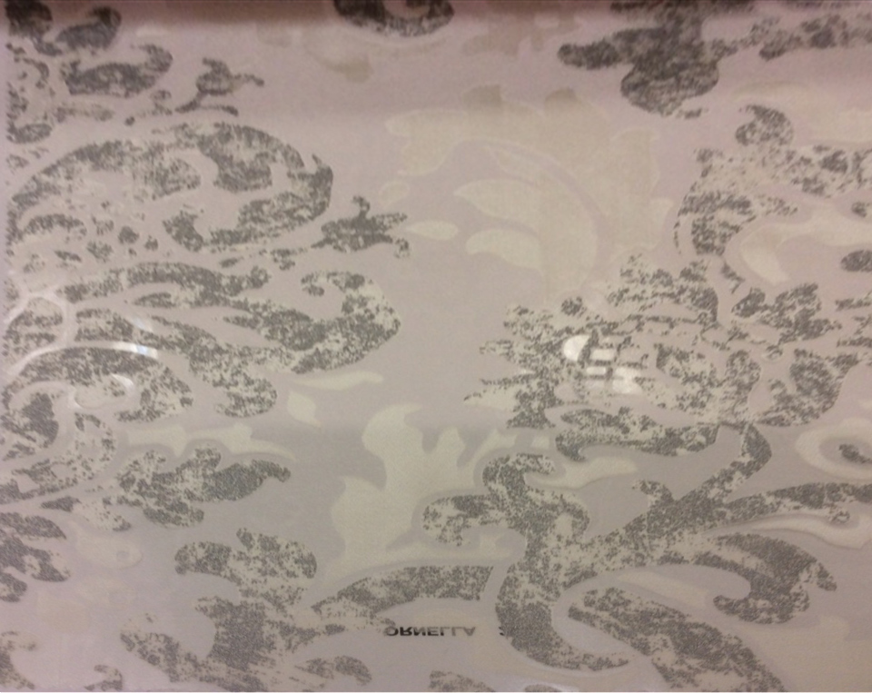 """Ткань из вискозы и полиэстера с принтом """"под старину"""" Ornella 26. Италия, Европа, прозрачный тюль для штор. На светлом фоне серебристый принт """"под старину"""" с люрексом купить"""