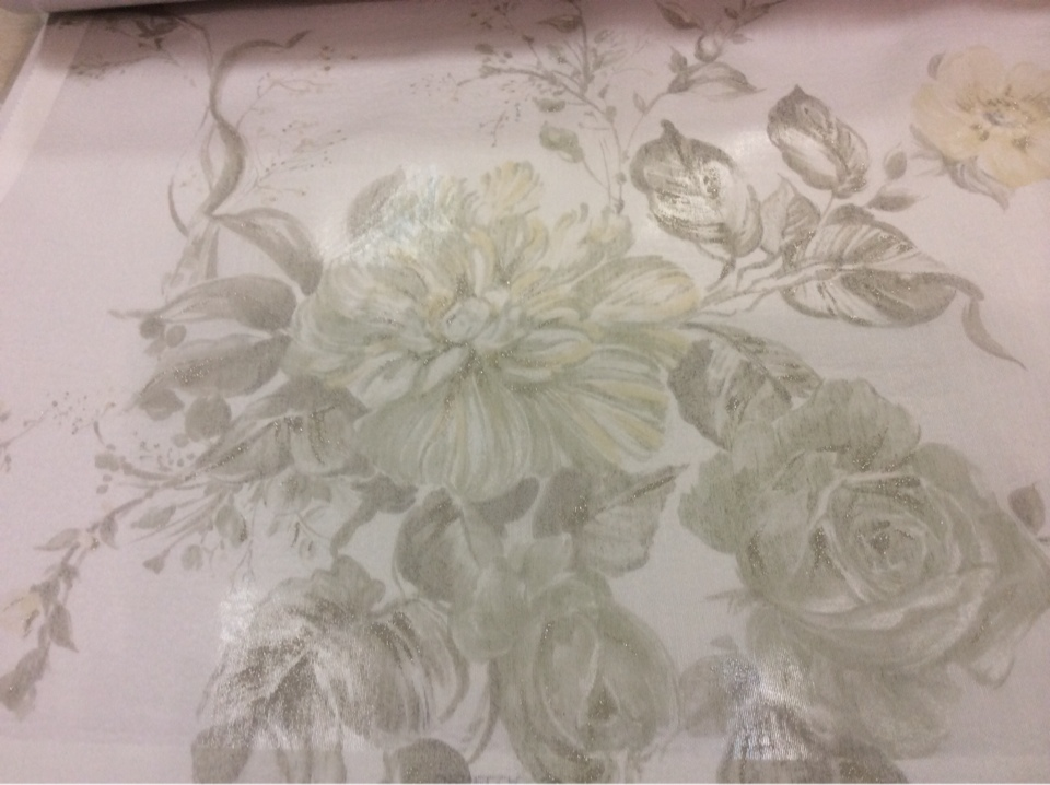 Жатая ткань с бамбуковой нитью Ornella 34. Италия, Европа, тюлевая. На светлом фоне цветочный принт бледно-зелёного оттенка, акварель купить в Москве