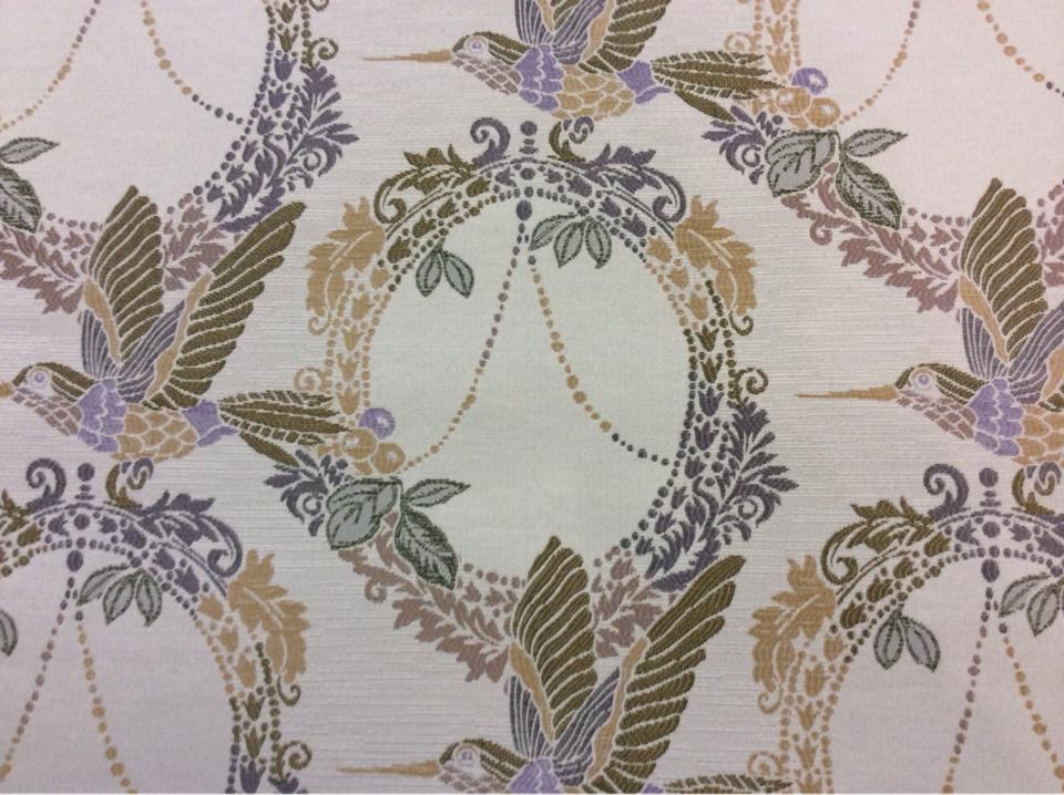 Портьерная ткань с изображением птиц в стиле прованс, жуи Paloma 06. Испания, Европа, портьерная. На светлом фоне изображение птиц фиолетово-зелёного оттенков купить