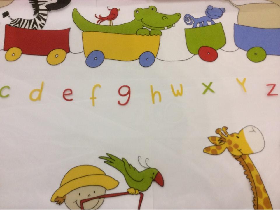 Ткань для штор с английским алфавитом Train 1. Испания, Европа, тюль. Цветные фигурки животных на заказ