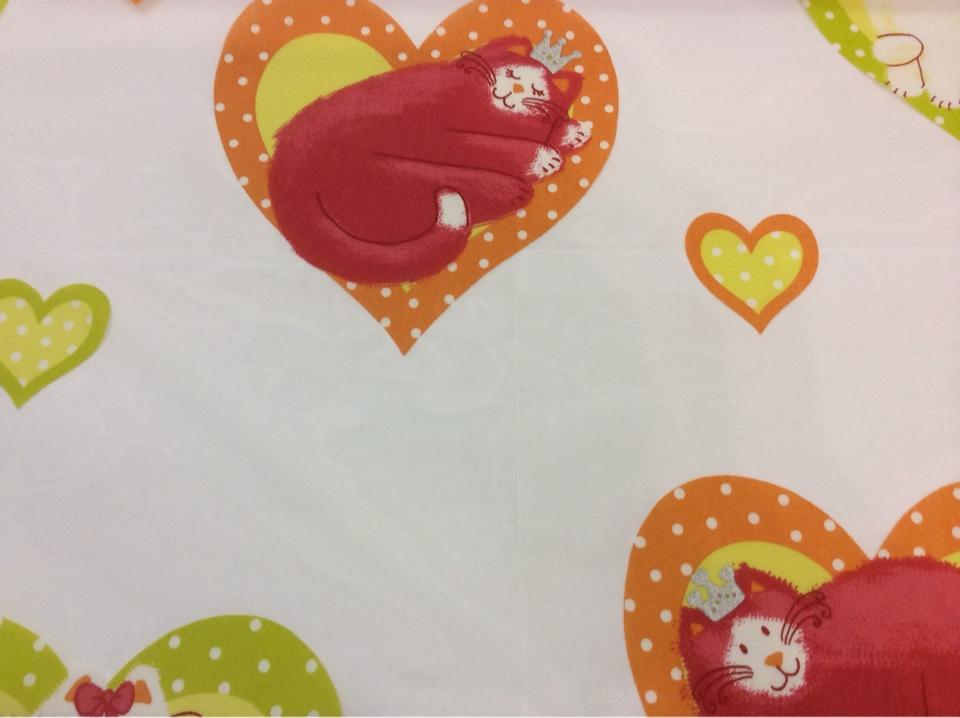 Ткань из органзы, на прозрачном фоне красно-оранжевые кошечки Misifu 2. Испания, Европа, тюль купить, заказать, каталог
