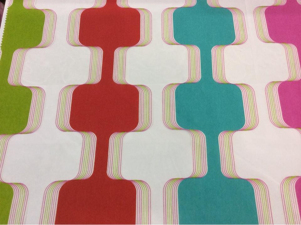 Разноцветная ткань для штор в стиле китч Ruban 1. Европа, Испания, тюль. На прозрачном фоне вертикальные зигзагообразные цветные линии каталог штор