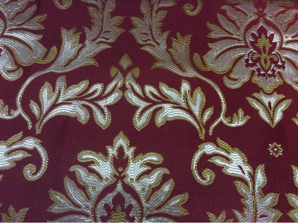 Заказать ткань в нашем магазине штор 2374/30. Франция, Европа, портьерная. Красный фон, золотисто-серебристый орнамент заказать