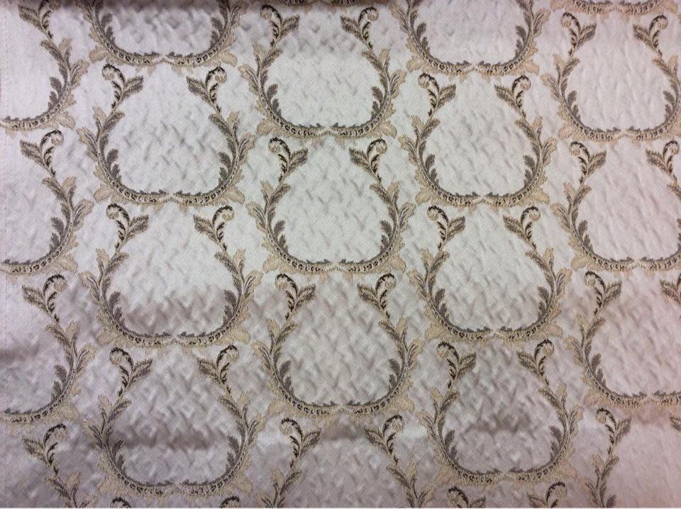 Портьерная ткань из Италии в стиле барокко Gretta 011. Италия, Европа, портьерная. Светло-серый фон, бронзовый орнамент в каталоге ткани