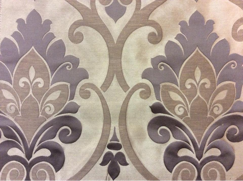 """Купить атласную ткань для штор в интернете Messaline col. 04. Испания, Европа, портьерная. Тёмно-бежевый фон, тёмно-серый принт """"дамаск"""" на заказ"""