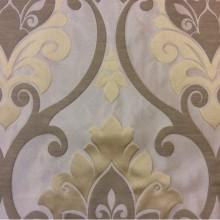 Ткань для штор с принтом «дамаск» Messaline col. 03. Испания, Европа, портьерная. Серебристый фон, золотистый принт «дамаск»