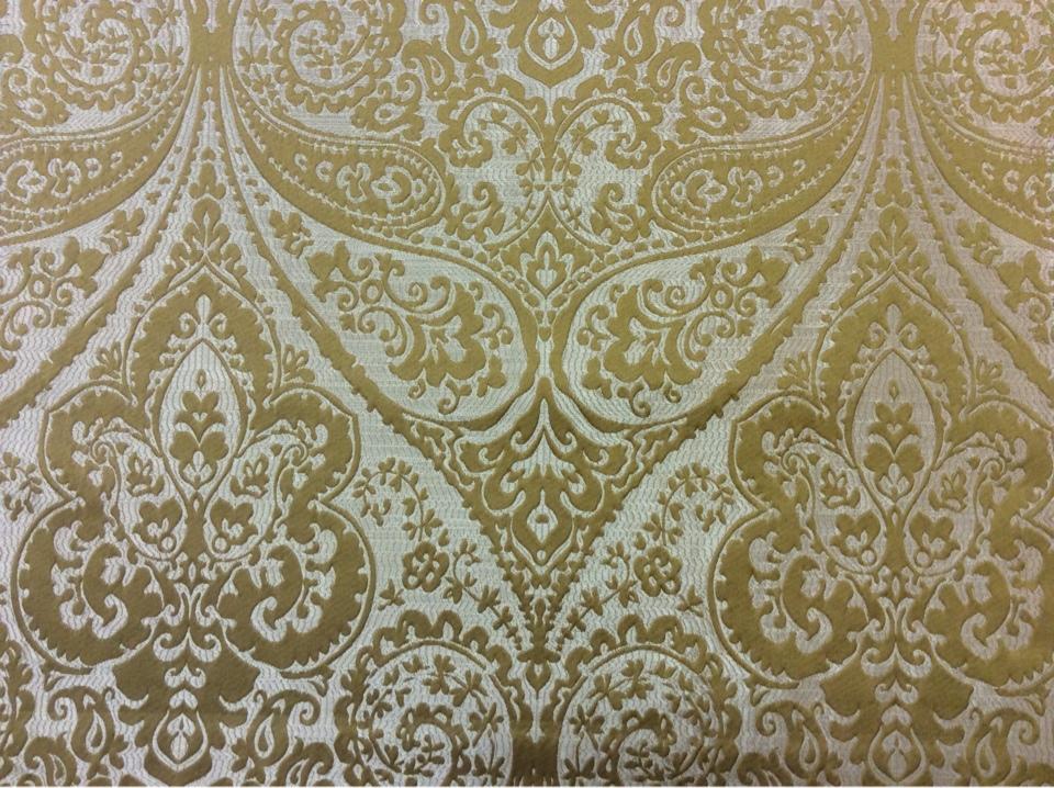 """Ткань для штор в стиле пейсли в Москве Lucido col. 36. Европа, Испания, портьерная. Золотистый фон, горчичный принт """"дамаск"""", """"пейсли"""" купить"""