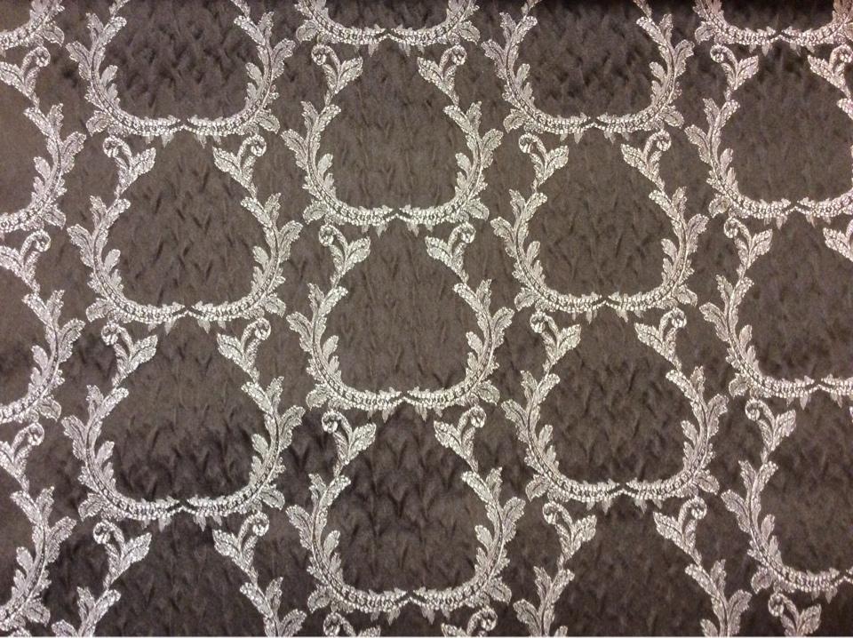 Итальянский рифлёный атлас для штор, вискоза Gretta 160. Италия, Европа, портьерная ткань. Шоколадный фон, золотистый орнамент купить в Москве