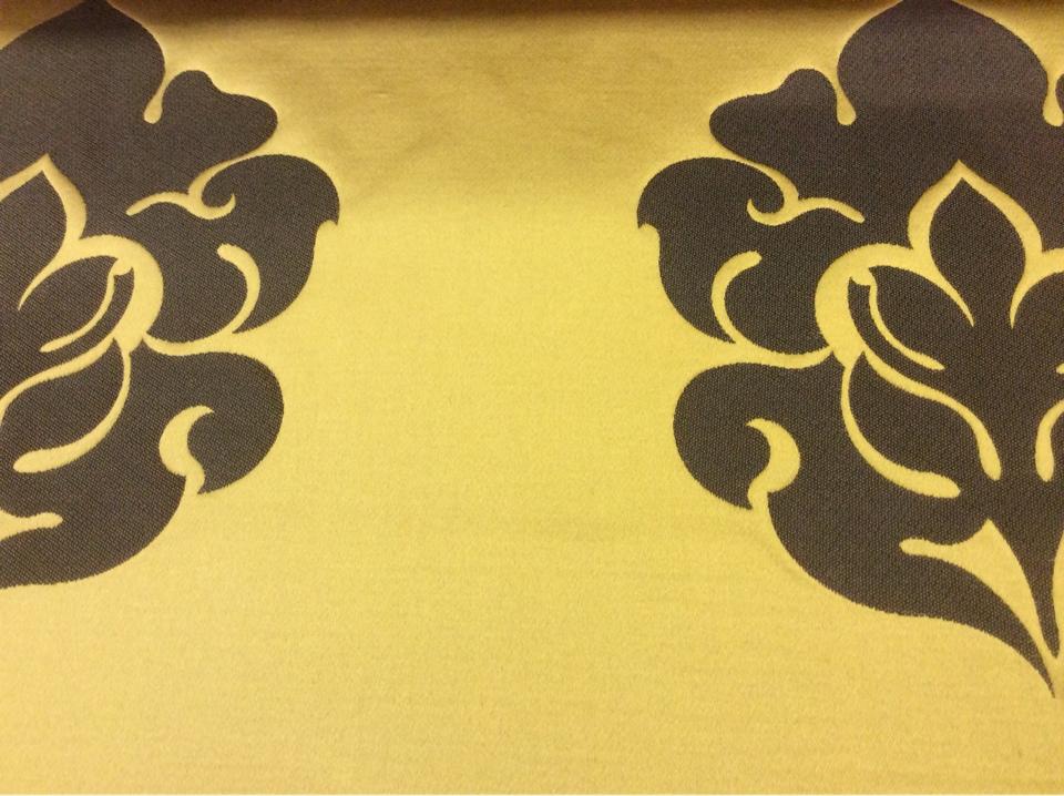Элитный атлас с вышивкой в стиле барокко в Москве 2358/22. Италия, Европа, портьерная. Золотой фон, орнамент цвета венге купить