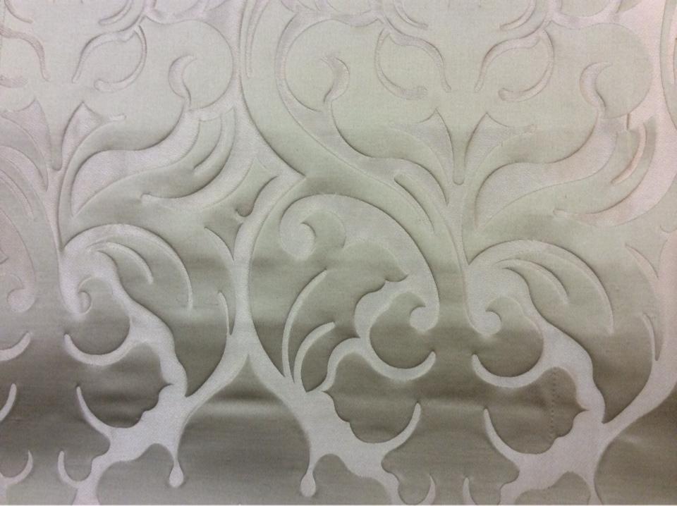 Купить шикарную ткань с принтом из атласа и льна в Москве 2366/25. Италия, Европа, портьерная. Бежевый фон, золотистый орнамент купить