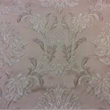 Купить красивую итальянскую ткань в Москве из жаккарда Efesos, col 8. Европа, Италия, портьерная. На фоне пудрового оттенка серебристо-розовые «дамаски»
