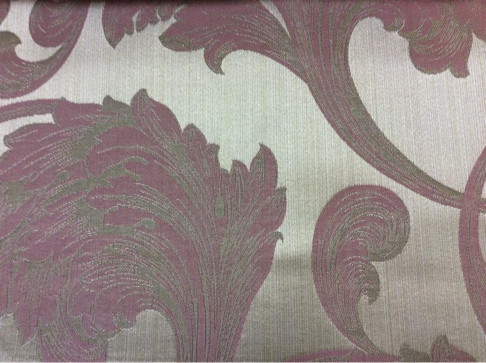 Итальянская ткань из жаккарда в Москве Glamour, col 40. Италия, Европа, портьерная. На серебристом фоне завитки аметистового, серого оттенков