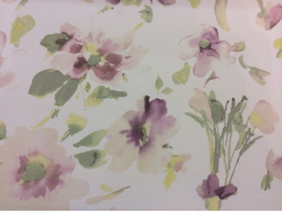 """Купить хлопковую ткань в интернет-магазине 2511/33. Италия, Европа, портьерная. На светлом фоне """"размытые"""" абстрактные цветы ( микс, акварель)"""