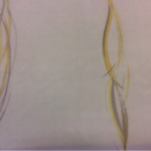 Тюль в стиле модерн, арт-Деко, фьюжн, полупрозрачный 2493/90. Италия, тюль для штор. На белом фоне вертикальные абстрактные гибкие линии жёлтого и серого оттенков
