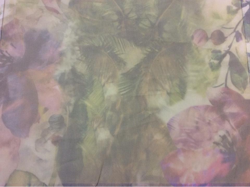"""Тонкая тюлевая ткань с абстрактным рисунком в стиле модерн, прованс, кантри 2518/53. Италия, тюль. Абстрактное """"размытое"""" нанесение рисунка с цветочной тематикой ( акварель)"""