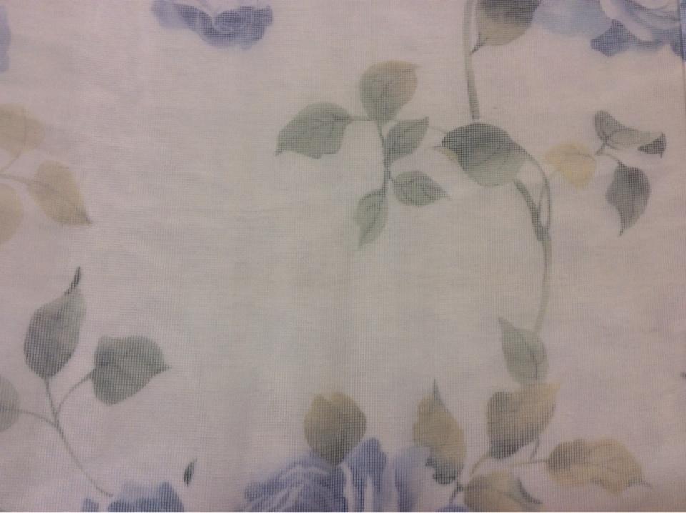 Тонкая тюлевая ткань (сетка) оптом и в розницу со склада в Москве Capeinick Suit, col 1269. Турция, тонкий тюль.  На прозрачном фоне розы в голубых оттенках