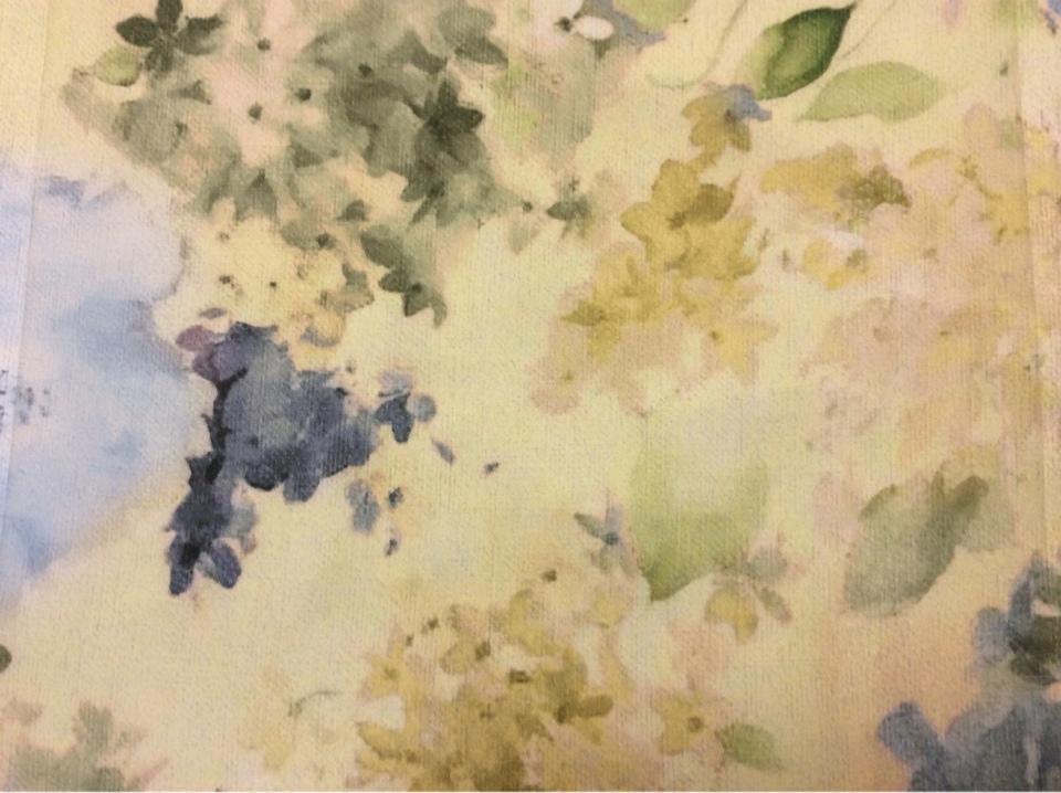 Тюлевая матовая ткань из крепа с очень красивым цветочным рисунком Claude Suit, col V3. Турция, тонкий тюль. На салатовом фоне синие размытые цветы, акварель
