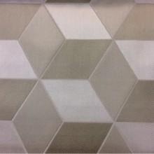 Портьерная ткань в современном стиле с эффектом 3D Арт: 2544/17. Итальянский каталог ткани.  Геометрический рисунок в ванильно-бежевых оттенках