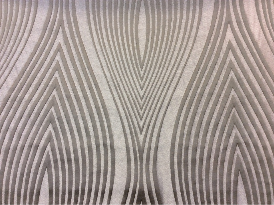 Портьерная ткань из атласа с добавлением льна Арт: 2526/29. Италия, каталог. Гибкие вертикальные линии в серебристо-серых оттенках
