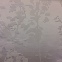 Рельефный атлас с выпуклым эффектом с добавлением хлопка Арт: 2523/10. Итальянский каталог ткани для штор. Вертикальные стебли и ветви молочного оттенка