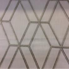 Ткань с геометрическим рисунком в Москве Hedge, col Marzipan. Бельгия, Европа, портьерная плотная ткань. На светлом фоне ромбовидные линии бежевого оттенка