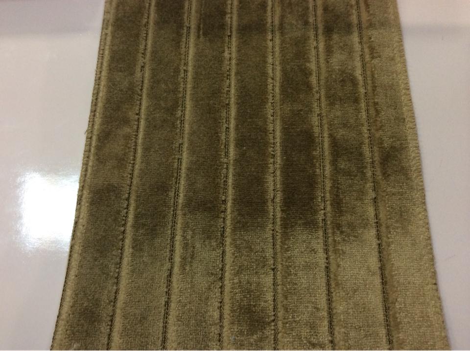 Красивый бархат из натуральных волокон с вертикальной полоской (шаг 2см) Orbis, col 02. Бельгийский каталог ткани для штор. Пыльный оливковый оттенок