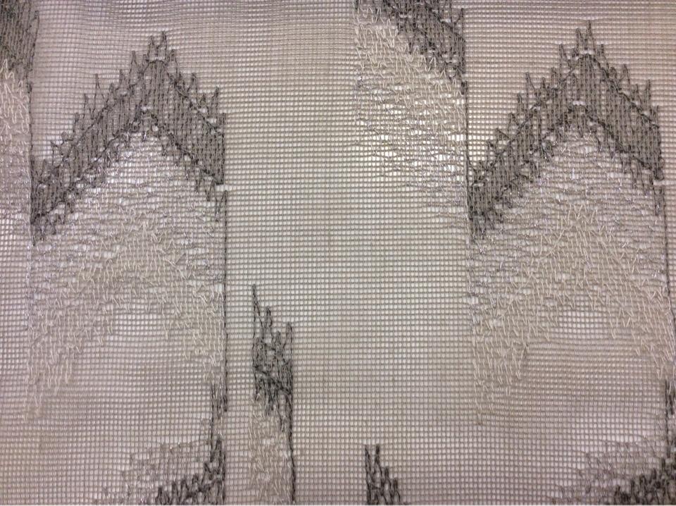 Тонкая сетка с нанесением абстрактной вышивки арт: 2602/27. Каталог современной ткани для штор. В светло-серых и тёмно-серых оттенках