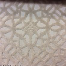 Бархат с набивкой на хлопковой основе на заказ в интернет-магазине, на бежевом фоне стилизованные узоры, 2558/67, Итальянский  каталог ткани для штор.