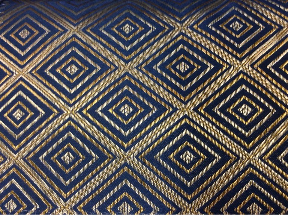 Заказать портьерную плотную атласную ткань с геометрическим рисунком, Ромбы (5 см) в золотистых и тёмно-синих оттенках, Высота 3 метра, 2384/40, Французский каталог ткани для штор.