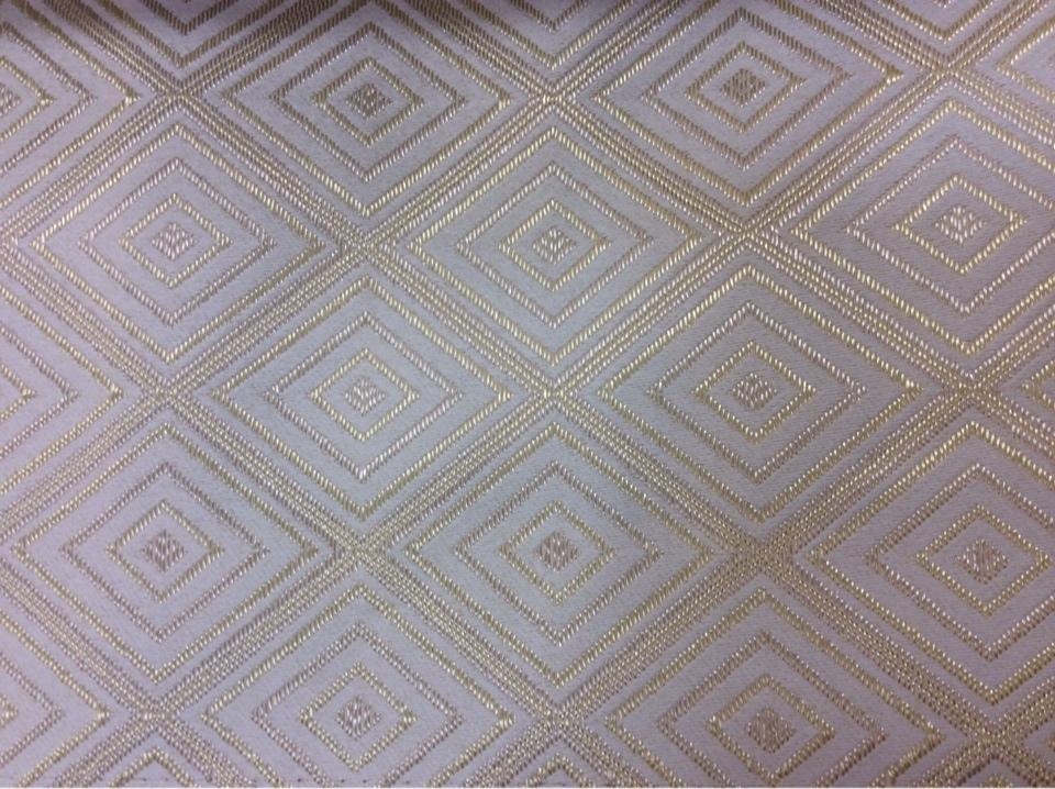 Атласная портьерная ткань на заказ в Москве, Ромбы (5 см) в ванильно-золотистых тонах, Высота 3 метра, 2384/12, Французский каталог плотной ткани для штор на заказ.