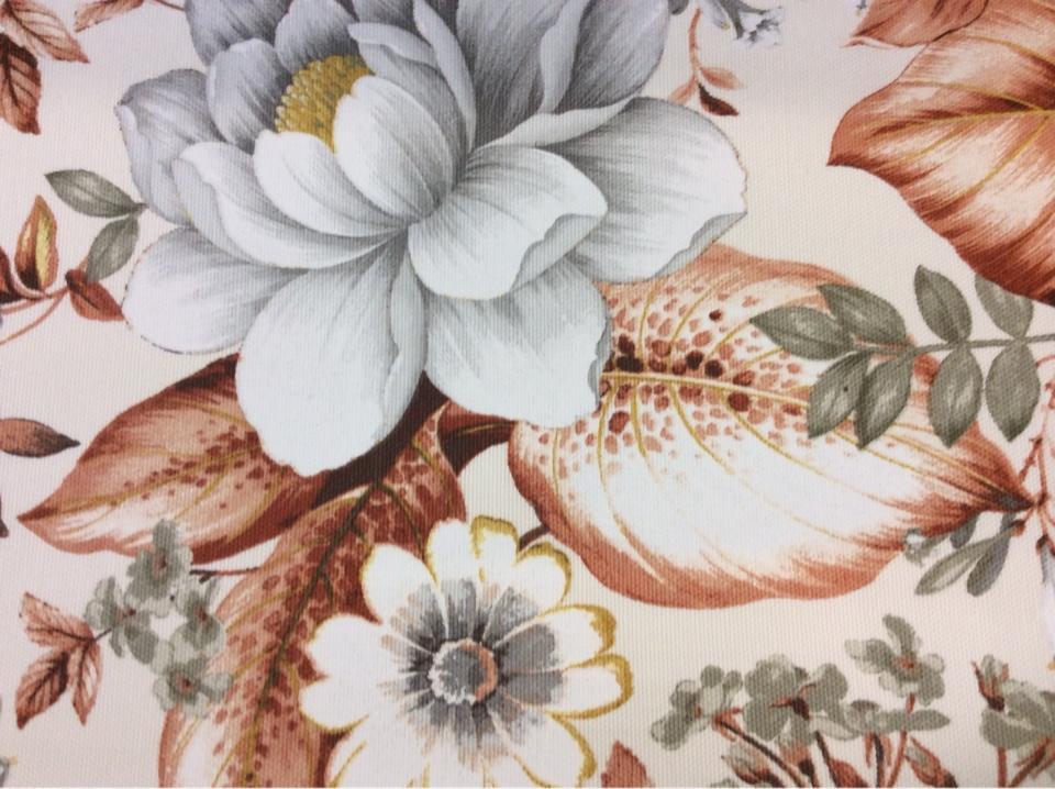 Заказать портьерную плотную ткань из хлопка с цветочным орнаментом, На светлом фоне крупные цветы и листья в терракотово-серых тонах, Super Nei-A, col Caldera 130, Испанский каталог ткани для штор на заказ.