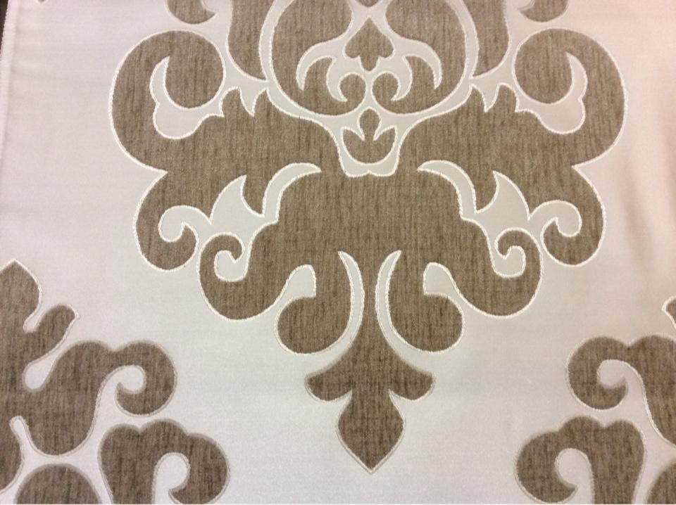 """Купить атласную ткань с набивкой из шенилла, На ванильном фоне """"дамаски"""" тёмно-бежевого оттенка, Высота 3,0, Арт: Morocco, col 12, Итальянский каталог ткани для пошива штор на заказ."""